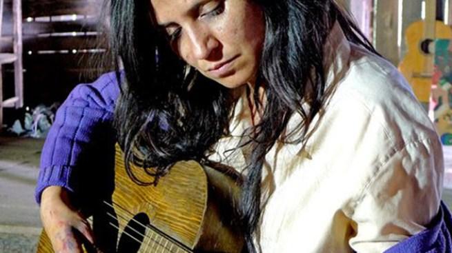 Triunfa cinta sobre Violeta Parra