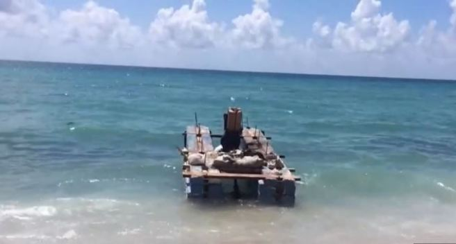 Aparece balsa abandonada en Hallandale Beach