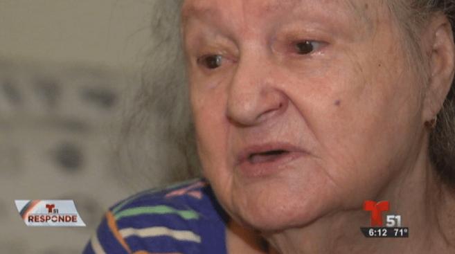 Anciana cubana sin residencia en EEUU por un error común