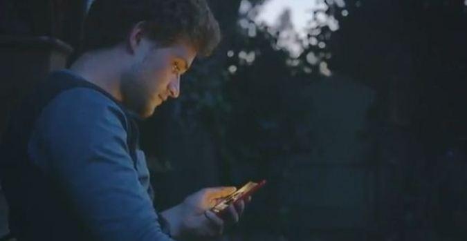 Video: Facebook se apodera de tu celular