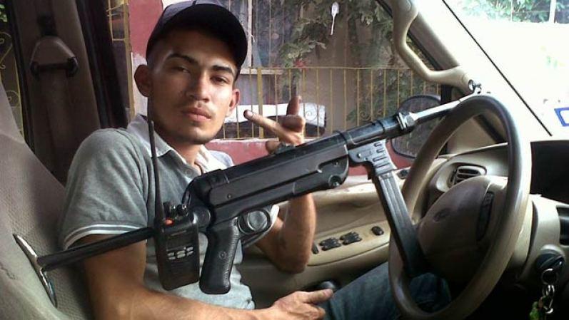 Las fuerzas armadas mexicanas y la delincuencia - galería fotos - Tlmd_sicarios_blurb01