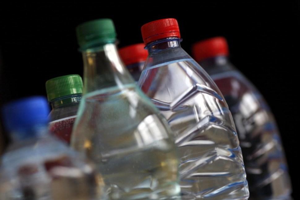 Abren cuatro puntos de distribución gratuita de agua en Broward