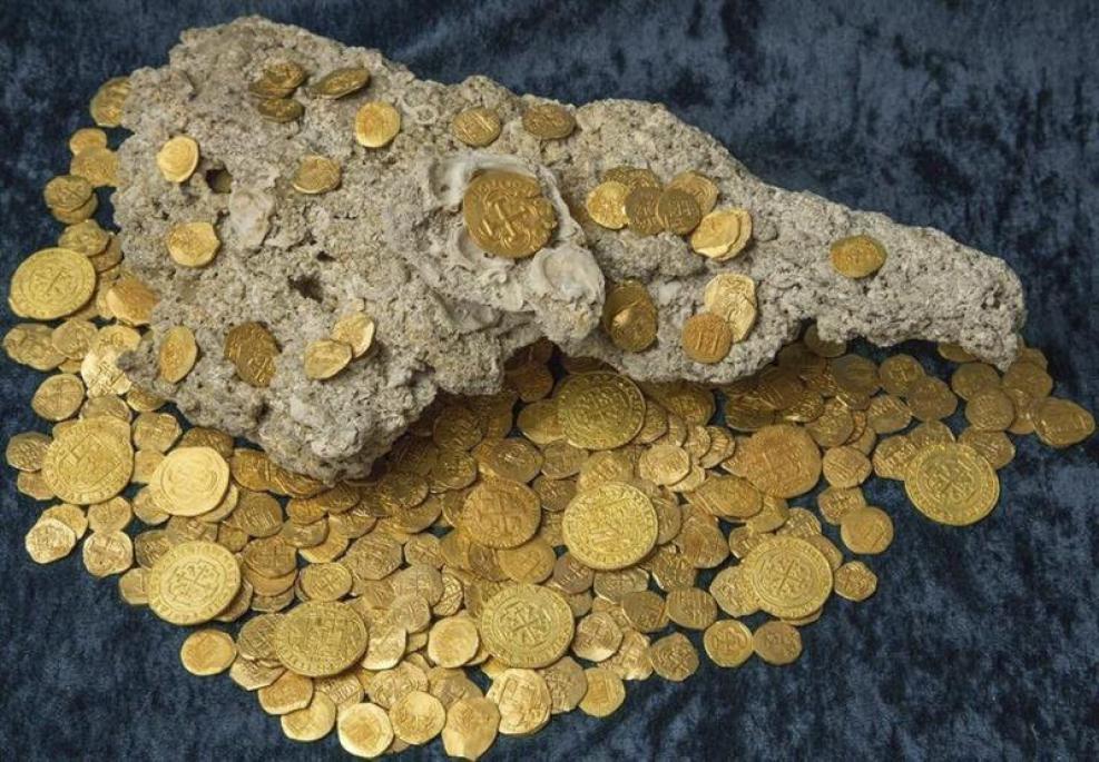 Tesoro millonario en la playa: monedas perdidas hace 300 años TLMD-Florida-tesoro-350-monedas-de-oro-vero-beach-EFE-635756779061830220w